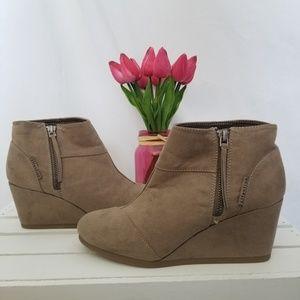 Platform high wedge heel ankle boots